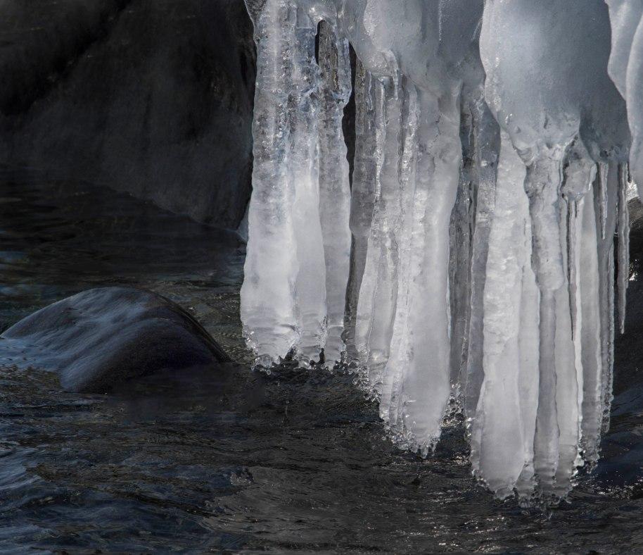 icicles lake superior
